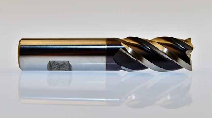 DLC ( Diamond-Like Carbon)